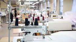 Máquina de costura portátil singer