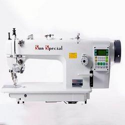 Máquina de costura reta eletrônica